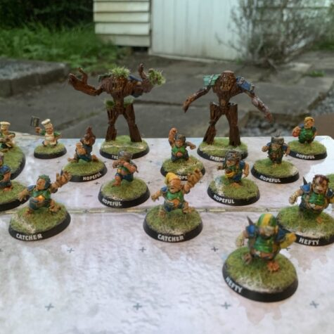 Samlet og malet Cloverfield Stompers [BloodBowl] hold