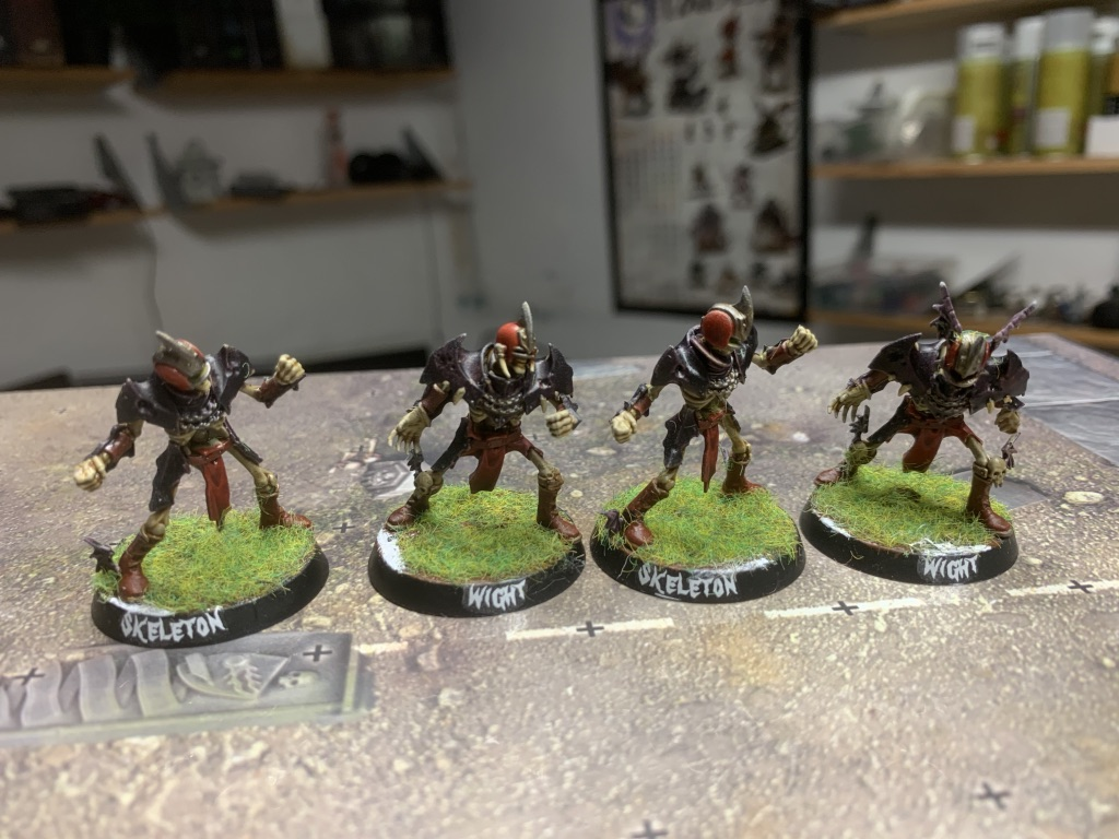 Wights og Skeletter, Barrichmere Barrowgeists, Shambling Undead [Blood Bowl]